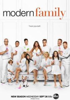Modern_Family_Season_10_Poster